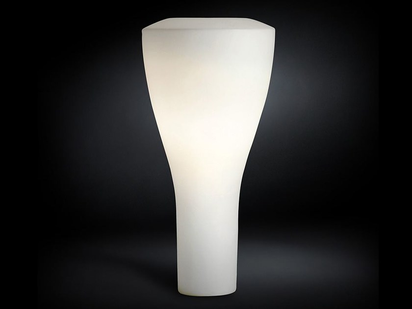Polyethylene Floor lamp TIPPY   Floor lamp by VGnewtrend