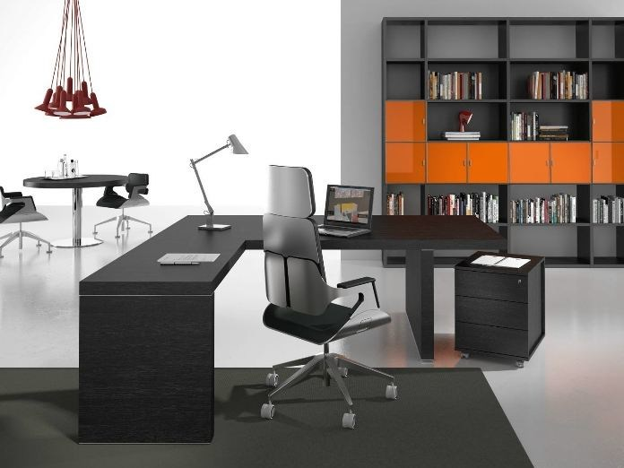 L-shaped office desk TITANO | L-shaped office desk - Castellani.it