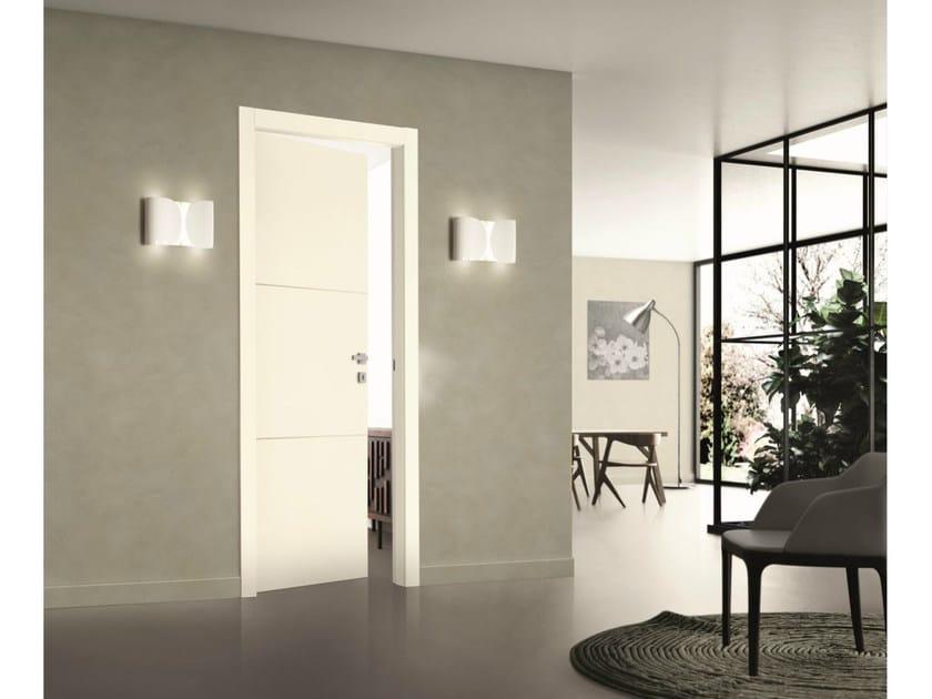 porta a battente laccata tr sor porta a battente scrigno. Black Bedroom Furniture Sets. Home Design Ideas
