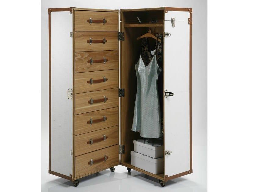 Wardrobe with casters TRUNK CROCO WHITE COSMOPOLITAN - KARE-DESIGN