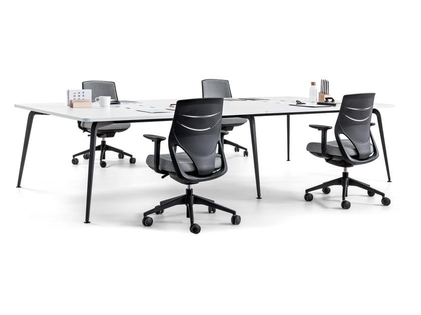 Rectangular meeting table TWIST | Meeting table by ACTIU