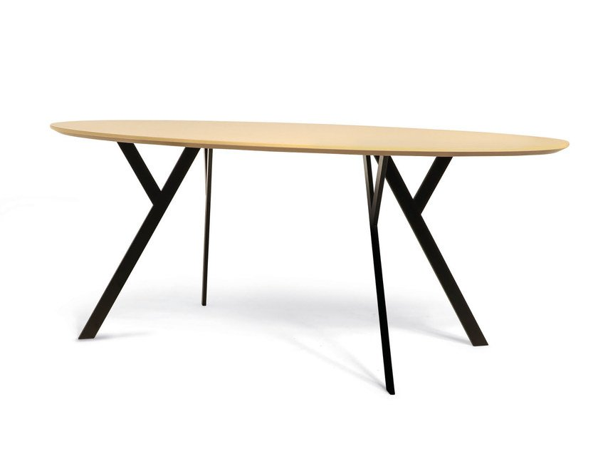 Oval wooden table TYPUS | Oval table by WILDE+SPIETH