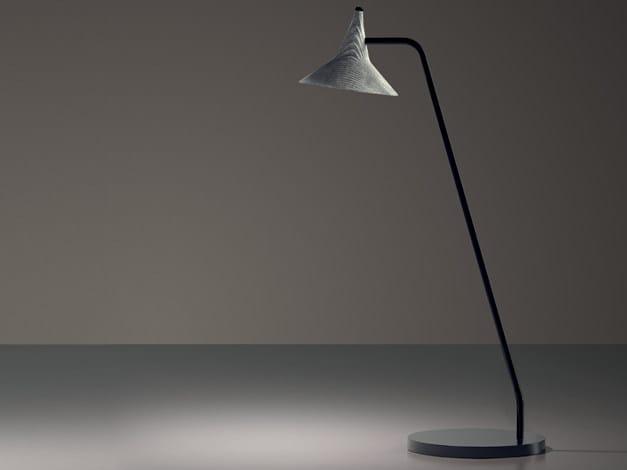 LED direct light aluminium table lamp UNTERLINDEN   Aluminium table lamp by Artemide