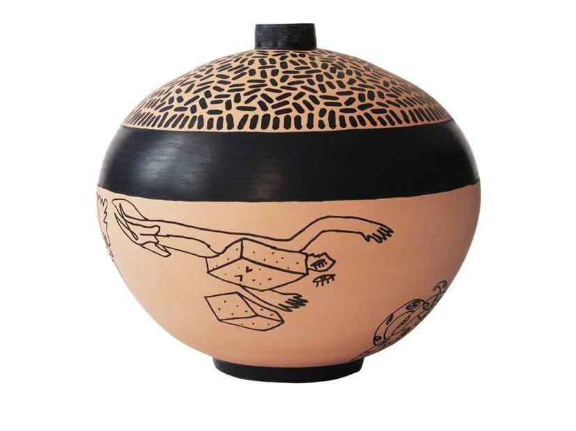 Terracotta vase VEIA V by Kiasmo