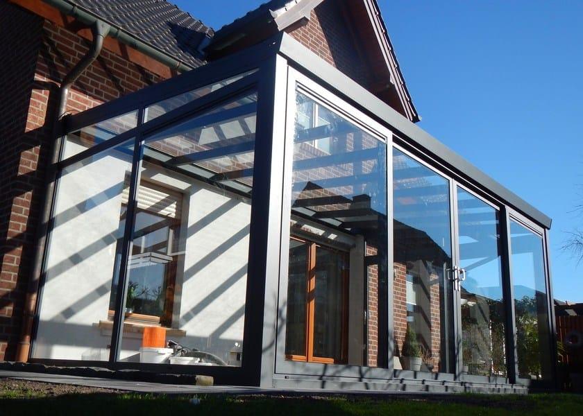 Veranda in alluminio e vetro veranda con serramento for Piani di veranda anteriore