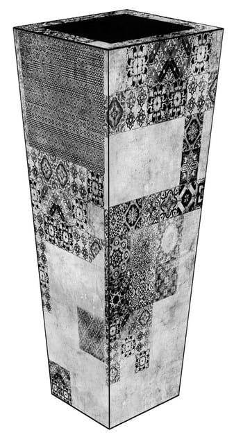 Glass-fibre vase VM-02F by MOMENTI