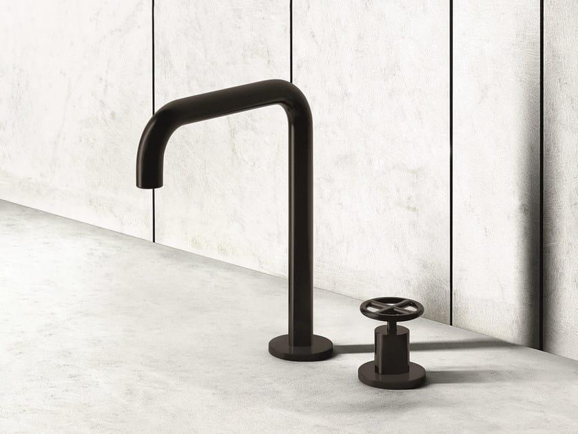 Miscelatore lavabo con comando remoto da appoggio FONTANE BIANCHE | Miscelatore per lavabo by Fantini Rubinetti