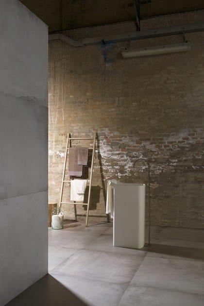 Pavimento in gres porcellanato effetto cemento waterfront for Ceramica d imola
