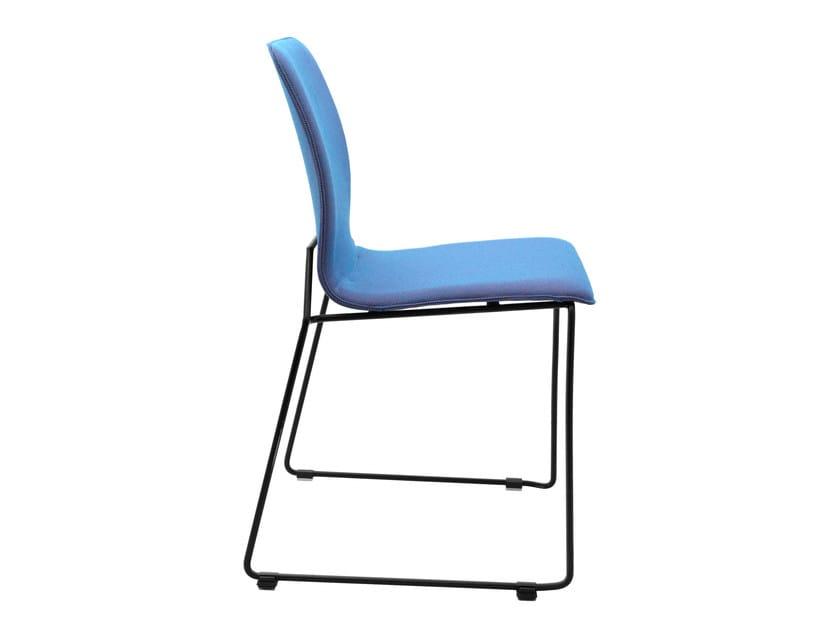 Stapelbarer Stuhl aus Stoff mit Kufengestell X-ACT | Stuhl mit Kufengestell by KFF