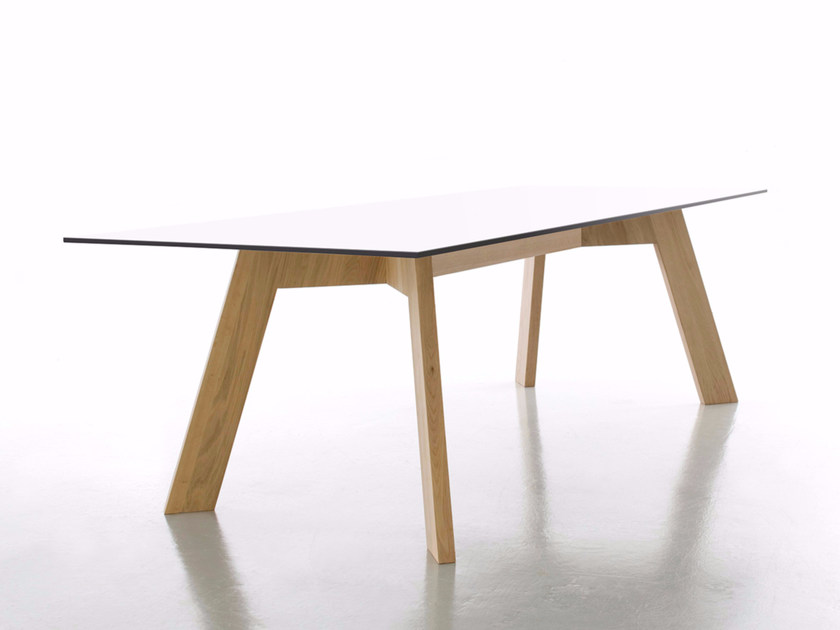 Rectangular HPL dining table Y-WOMEN by conmoto