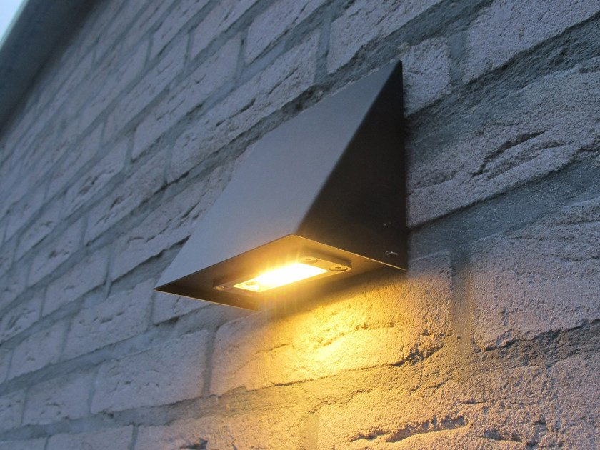 Lampada da parete a luce diretta in zinco ZINK by ROYAL BOTANIA