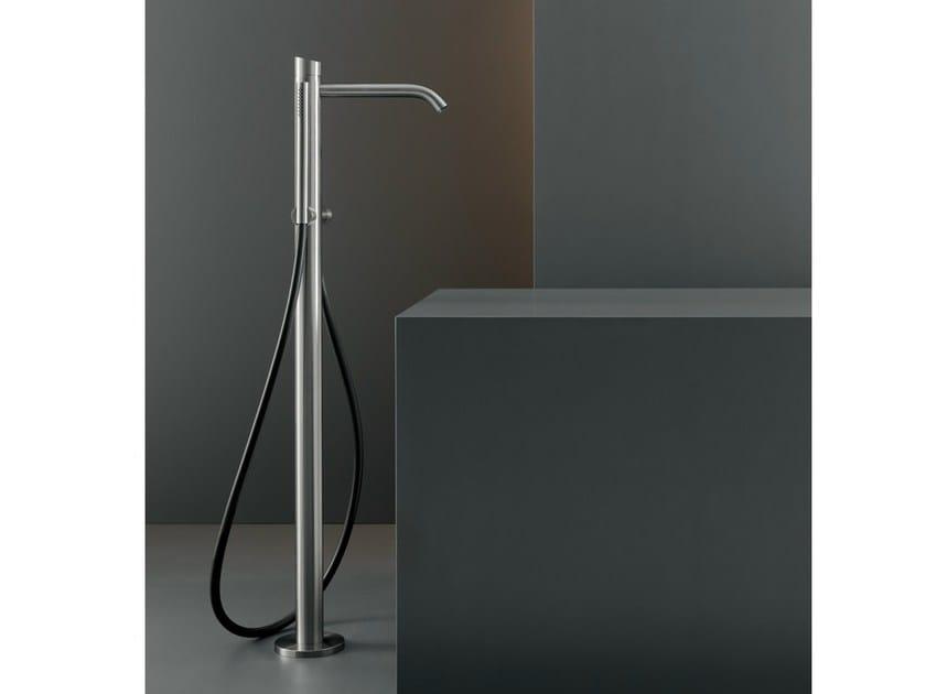 Free-standing hydroprogressive mixer for bathtub ZIQ 51 - Ceadesign S.r.l. s.u.