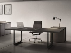 - L-shaped glass and steel executive desk 45/90 | Executive desk - IFT