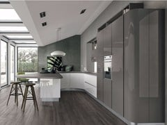 - Lacquered fitted kitchen with peninsula CLOVER 01 - Cucine Lube