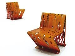 Seduta da esterni in acciaio zincatoCROSSED | Seduta da esterni - LAB23