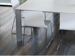 Sedia a slitta in legno impiallacciatoCURVE | Sedia - GAMADECOR