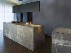 - Corinthian stone freestanding kitchen D90 | Natural stone kitchen - TM Italia Cucine