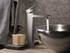 - Single handle 1 hole washbasin mixer without waste ERGO-Q | Washbasin mixer without waste - NEWFORM