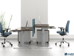 - Height-adjustable workstation desk ERGONOMIC MASTER | Height-adjustable office desk - MDD