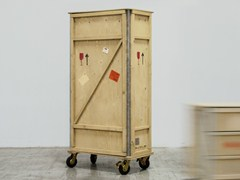 - Wooden wardrobe with casters EXPORT COMÒ   Wardrobe with casters - Seletti