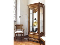 - Solid wood display cabinet with integrated lighting FENICE | Display cabinet with integrated lighting - Arvestyle