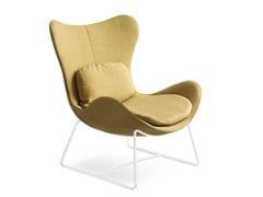 - Sled base wingchair LAZY | Sled base armchair - Calligaris