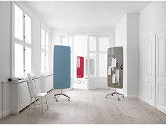 - Magnetic glass office whiteboard with casters Flow Mobile - Lintex