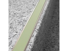 Profilo paragradino in alluminioNOVOPLETINA LUMINA | Profilo paragradino in alluminio - EMAC ITALIA