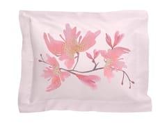 Cuscino rettangolare in raso con motivi florealiPEACH BLOSSOM | Cuscino rettangolare - SANS TABÙ