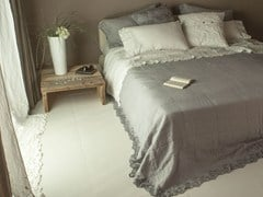 - Embroidered linen bedding set PETALI | Bedding set - LA FABBRICA DEL LINO by Bergianti & Pagliani