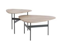Tavolino triangolare in legno da salottoPLECTRA - ASPLUND