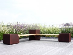 Panca da giardino in iroko con fioriera integrataPanca da giardino con fioriera integrata - ÉLUNAPIENA