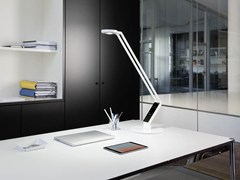 - LED adjustable table lamp RADIAL TABLE PRO - LUCTRA®
