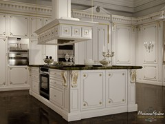 - Lacquered custom solid wood kitchen with island ROMANTICA - IVORY AND GOLD - Modenese Gastone group