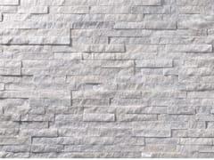 Rivestimento in pietra bianca