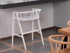 Sgabello alto in legno impiallacciato con braccioliSUNSET | Sgabello - GAMADECOR