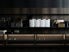 Sistema boiserie per cucina in legno, Paperstone® o Corian®UPPER | Schienale per cucina in legno - BOFFI