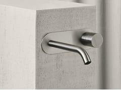 Rubinetto per lavabo a muro in acciaio inox con piastraAA/27 | Rubinetto per lavabo con piastra - ABOUTWATER