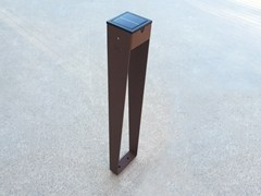 Paletto luminoso in acciaio per spazi pubbliciBTS 900 | Paletto luminoso ad energia solare - ARALIA - LYX-LUMINAIRES