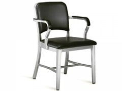 - Sedia imbottita con braccioli NAVY® UPHOLSTERED | Sedia con braccioli - Emeco