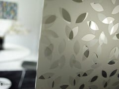 - Decorated glass partition wall DECORFLOU® DESIGN LAUREL - OmniDecor®