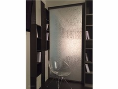 - Decorated glass room divider DECORFLOU® DESIGN LAUREL - OmniDecor®