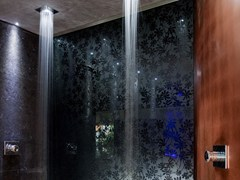 - Decorated glass shower wall panel DECORFLOU® DESIGN TRE - OmniDecor®