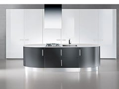 - Lacquered fitted kitchen with handles ELLISSE | Kitchen with island - Oikos Cucine