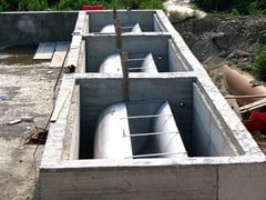 Sistema di lavaggio con vasche basculanti pensiliLAB - BETONCABLO