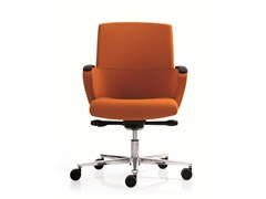 - Executive chair with 5-spoke base with armrests FORMAT | Medium back executive chair - Emmegi