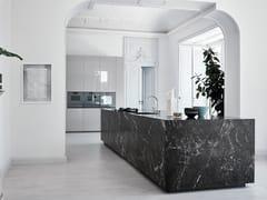 Cucina con isolaN_ELLE - UNEXPECTED CONTRASTS - CESAR ARREDAMENTI