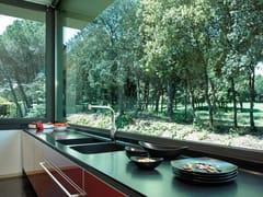 Top cucina in Silestone®NEGRO TEBAS - COSENTINO