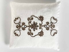 - Square hand embroidered linen cushion FIORE | Square cushion - LA FABBRICA DEL LINO by Bergianti & Pagliani