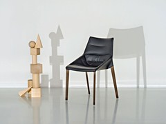 - Ergonomic upholstered leather chair OUTLINE | Leather chair - MOLTENI & C.